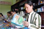 Tặng thư viện sách cho Trại giam Xuân Nguyên